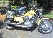 VENDO MOTO HONDA SHADOW 600. TITULO. CEDULA VERDE