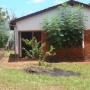 vendo terreno con casa y tinglado sobre ruta sexta.. itapua