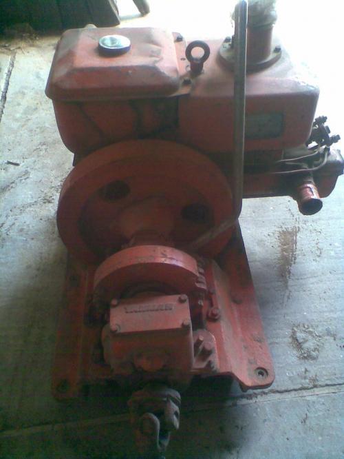 Vendo o cambio un motor yanmar b10 morino con caja, eje y hèlice incluidos