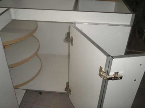 Muebles de cocina en melamina con canto de aluminio for Muebles de cocina de aluminio