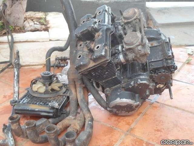 Vendo motor de suzuki ninja 250 para reparacion o respuesto..