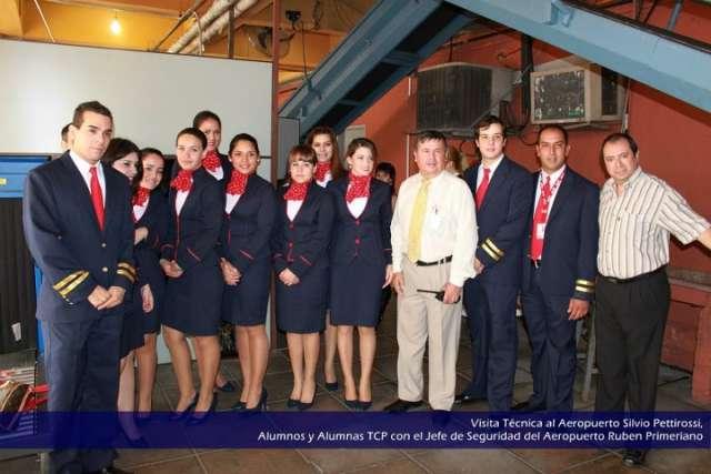 Piloto y azafata en asunción paraguay