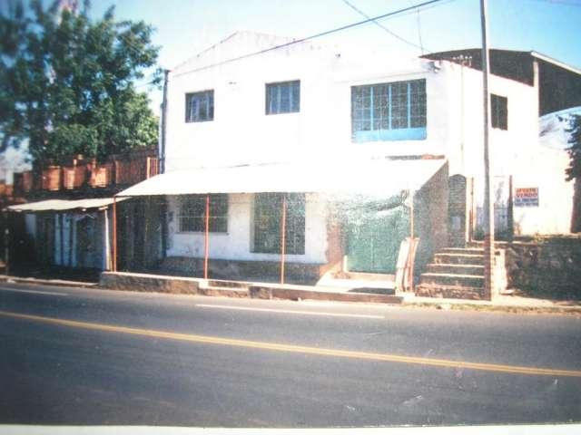 Vendo 2 locales con vivienda con tinglado
