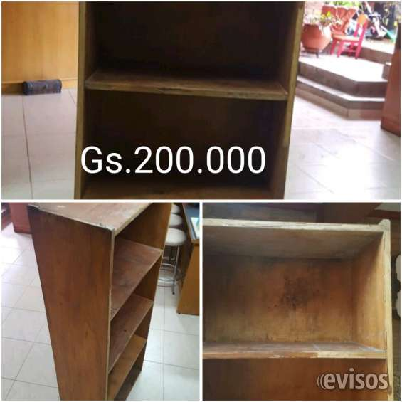 Estante de madera tipo mostrador