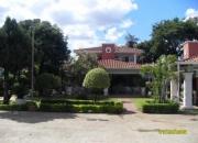 Vendo esta preciosa residencia ubicada en San Lorenzo sobre la calle Tte. Benitez e/ Hernandarias
