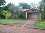 Vendo hermosa casa en el country club paraná