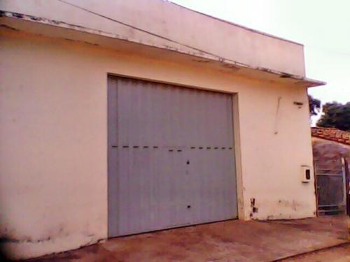 Vendo deposito en san lorenzo zona centro y mercado a 2 cuadrasde la fabrica niko.