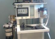 Maquina de anestesia en buen estado