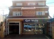 Oferto Residencia con Salón Comercial sobre Avda. en Encarnación