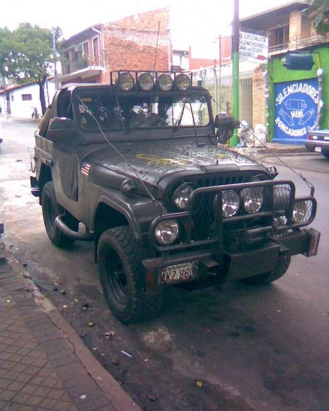 Vendo jeep americano mododelo antiguo todo original