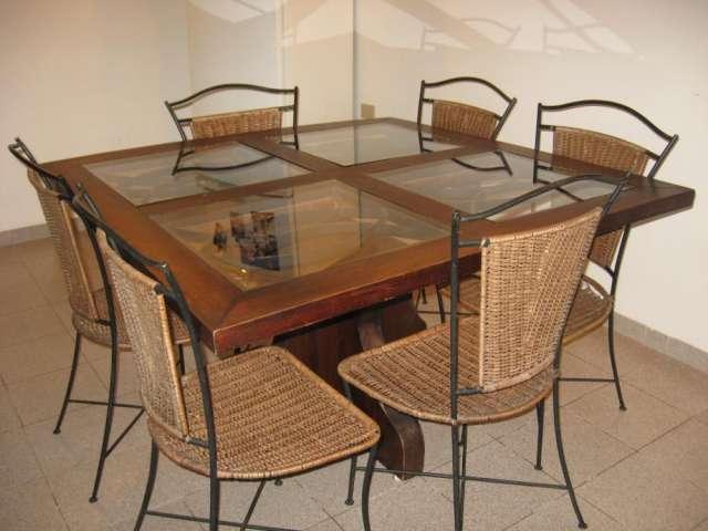 Vendo juego de comedor - madera maciza - 1 mesa cuadrada y 6 sillas ...