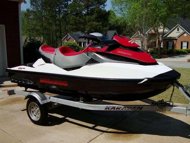 Vendo una moto de agua de 2010 sea-doo gtx 155