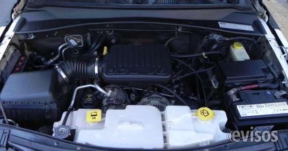Motor naftero 3.7, v6. 210 hp.