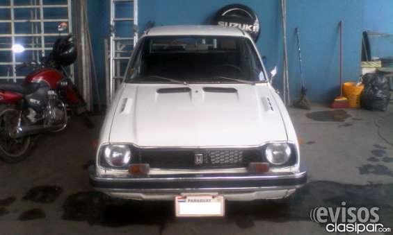 Honda civic, año 1977, color blanco de vicar.
