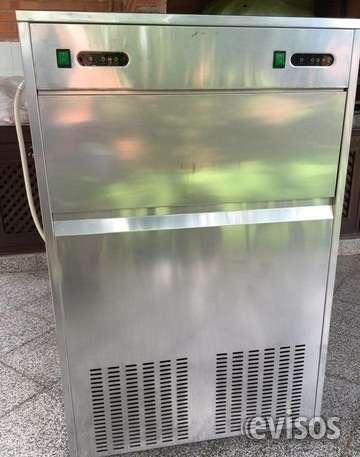 Fabricadora de hielo de 95 kg. de produccion