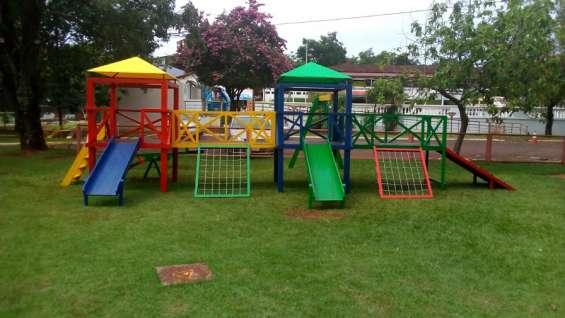 Parques de madera para niños