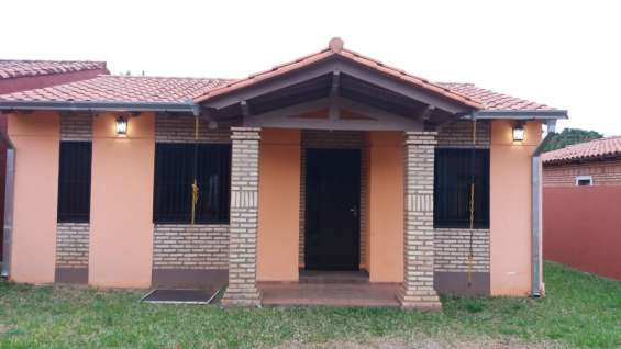 Vendo casa en laurelty luque