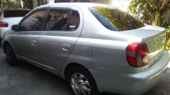Toyota platz 2001 1.5 naftero