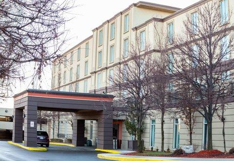 Hotel indigo necesitaba trabajadores bien capacitados