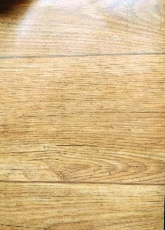 Pisos vinilicos simil madera y alfombras con logos oferta!